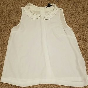 Forever21 white button down back w/ pearl floral